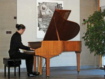 Koncert fortepianowy - Eryk Parchański @ Kochanowskiego 5